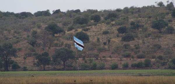 LA'-TRA-BOTSWANA,NAMIBIA,ZAMBIA-E-ZIMBAWE....jpg